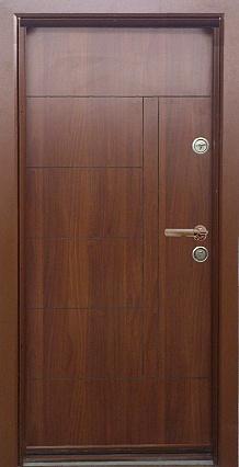 Блиндирана входна врата код Т587, цвят Златен дъб